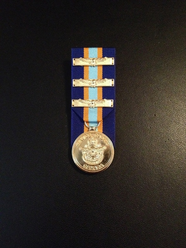 Medals And Ribbons - 608 \